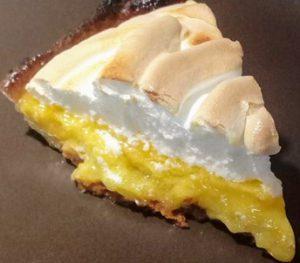 Part tarte au citron meringuée au four