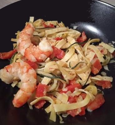 Tagliatelle gambas, courgette et tomate